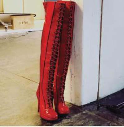 Kinky Boots Celebrates 2000 Performances!